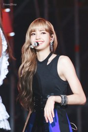 30-HQ-BLACKPINK-Lisa-BBQ-SBS-Super-Concert-2018