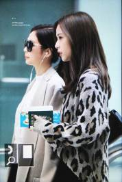 32-BLACKPINK-Jisoo-Airport-Photos-Incheon-5-October-2018