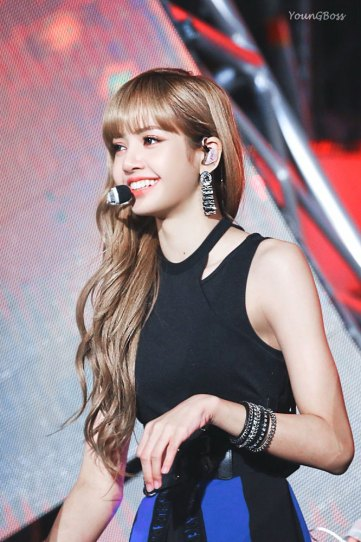 32-HQ-BLACKPINK-Lisa-BBQ-SBS-Super-Concert-2018