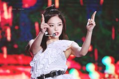 34-HQ-BLACKPINK-Jennie-BBQ-SBS-Super-Concert-2018