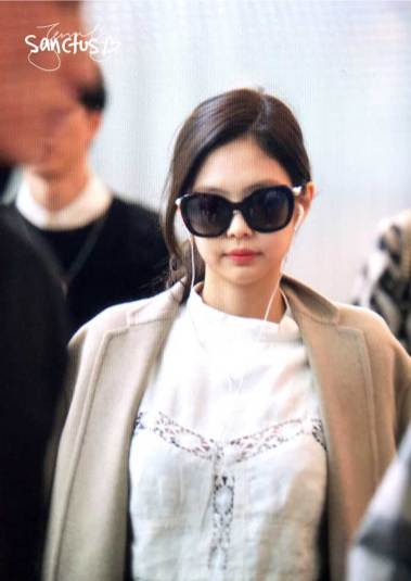 38-BLACKPINK-Jennie-Airport-Photos-Incheon-5-October-2018