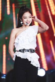 39-HQ-BLACKPINK-Jennie-BBQ-SBS-Super-Concert-2018