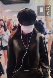 4-BLACKPINK-Jennie-Airport-Photos-Incheon-7-October-2018