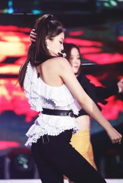 40-HQ-BLACKPINK-Jennie-BBQ-SBS-Super-Concert-2018