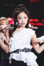 42-HQ-BLACKPINK-Jennie-BBQ-SBS-Super-Concert-2018