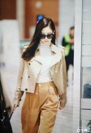 5-BLACKPINK-Jennie-Airport-Photo-4-October-2018-from-Paris