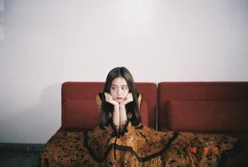 5-Behind The Scene BLACKPINK Jisoo Rose Vogue Korea November Issue