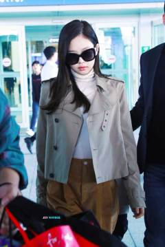 52-BLACKPINK-Jennie-Airport-Photo-4-October-2018-from-Paris