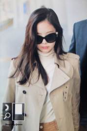 56-BLACKPINK-Jennie-Airport-Photo-4-October-2018-from-Paris