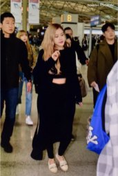 6-BLACKPINK Rose Airport Photos Incheon 5 October 2018