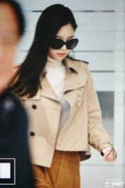 7-BLACKPINK-Jennie-Airport-Photo-4-October-2018-from-Paris