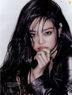 7-BLACKPINK-Jennie-W-Korea-Magazine-November-2018-Issue