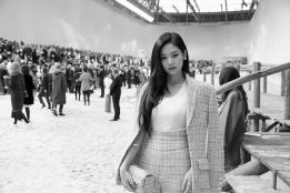 8-BLACKPINK Jennie Chanel Paris Fashion Week Instagram Photos