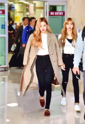 8-BLACKPINK-Rose-Airport-Photo-10-October-2018-From-Japan