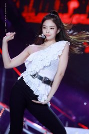 9-HQ-BLACKPINK-Jennie-BBQ-SBS-Super-Concert-2018