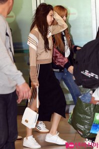 2-BLACKPINK-Airport-Photos-Incheon-20-Nov-2018-Back-from-Indonesia