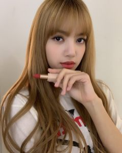 2-BLACKPINK Lisa Moonshot Instagram Update 6 Nov 2018