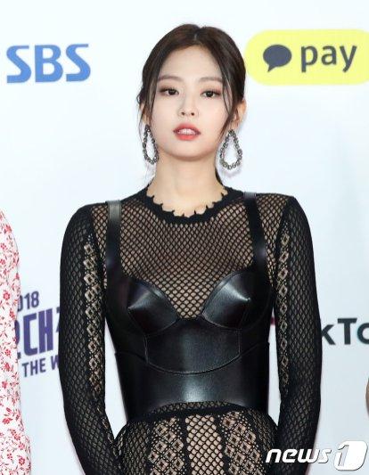 11-BLACKPINK Jennie SBS Gayo Daejun 2018 Red Carpet