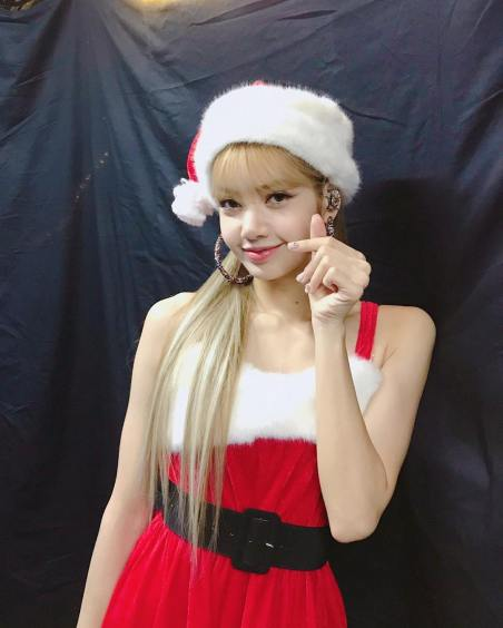 2-BLACKPINK Lisa Instagram Photo Kyocera Dome Christmas