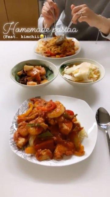 Rose-pasta-and-kimchi