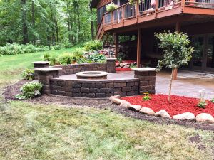 paver patio with freestanding wall