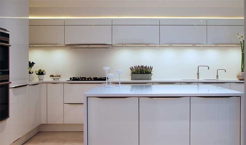 High Gloss White Kitchen With White Quartz Worktops