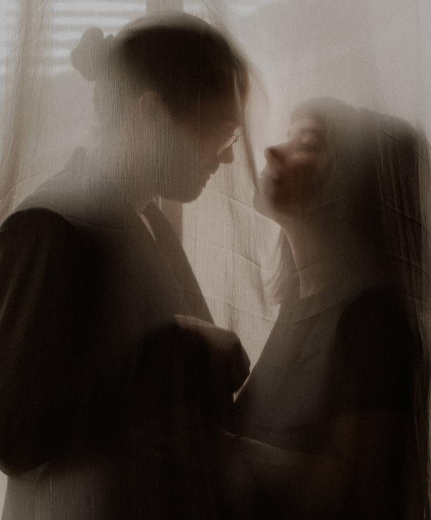 dark couples portraits las vegas