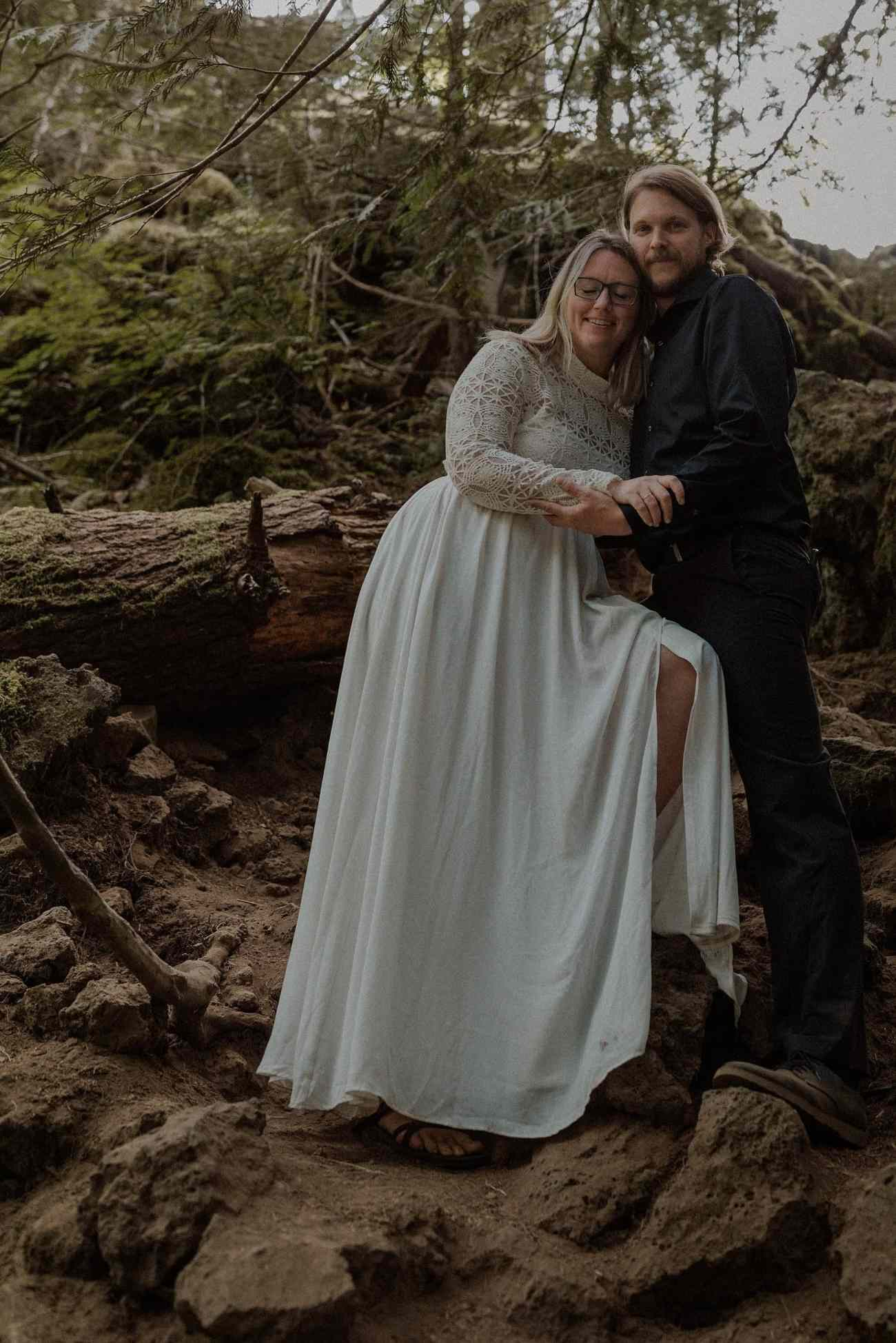 Moody elopement in Oregon at the Blue
