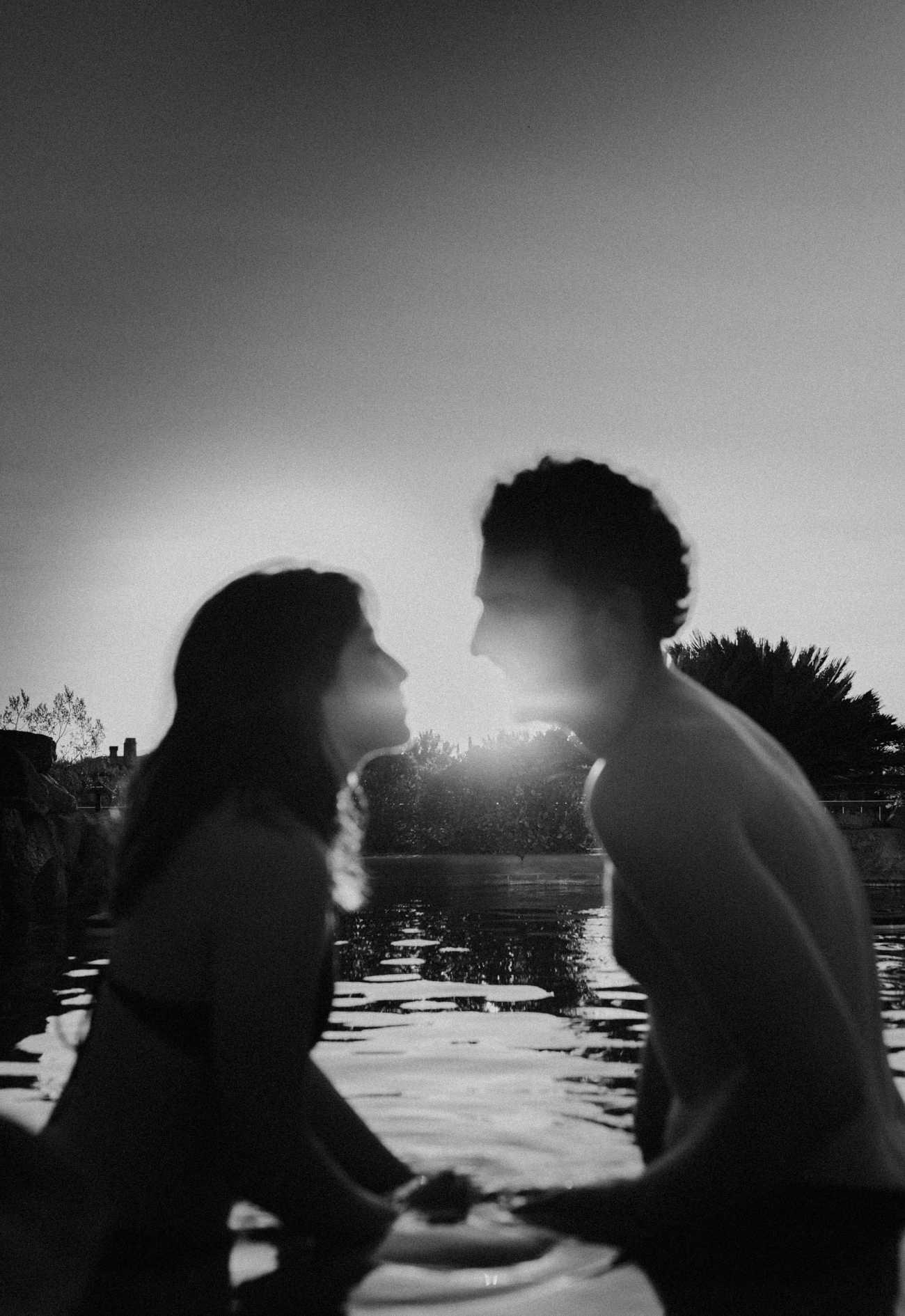 Sunset couples photos in Las Vegas Pool