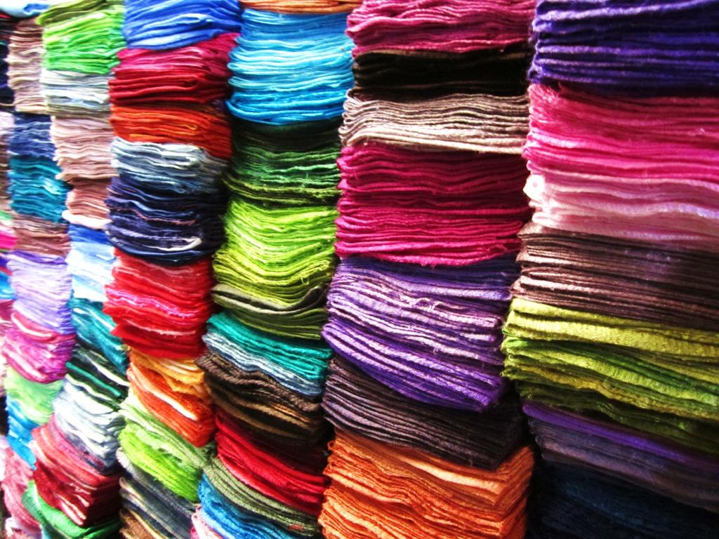 Chatuchak Market, sciarpe colorate