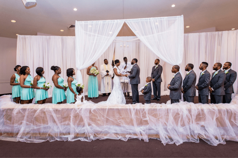 AT-10 Wedding Feature: Allyson and Travis - Carolina Love at its Best