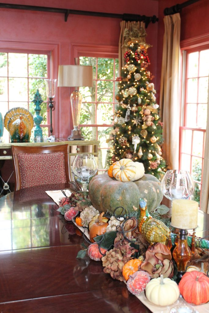 BIZ--Holiday Decor By ConfettiStyle Interiors