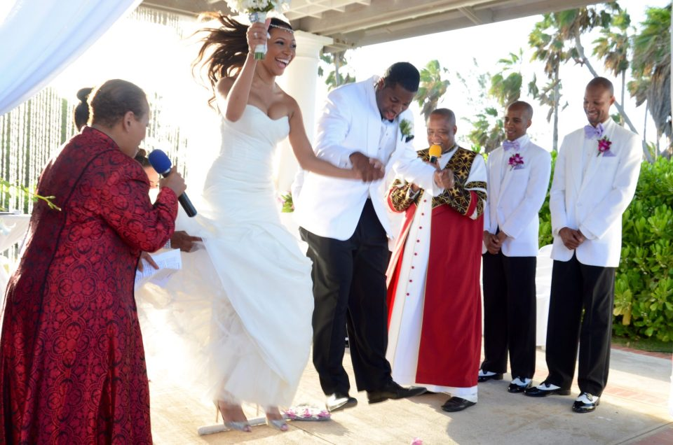 8-Jumping-The-Broom-960x636 Southern Love in Montego Bay