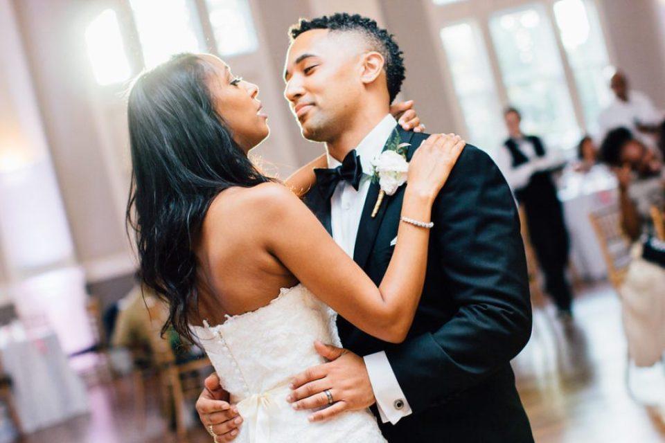 IMG_1280-960x640 Classic Savannah Love Story