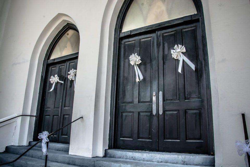 Church-Details-1-of-6-960x640 Classic Charleston Nuptials
