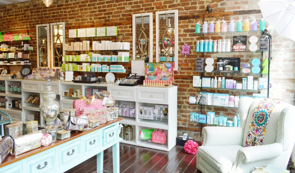 PinkDot-f2-960x563 Pink Dot Beauty Bar Brings Southern Charm to Beauty
