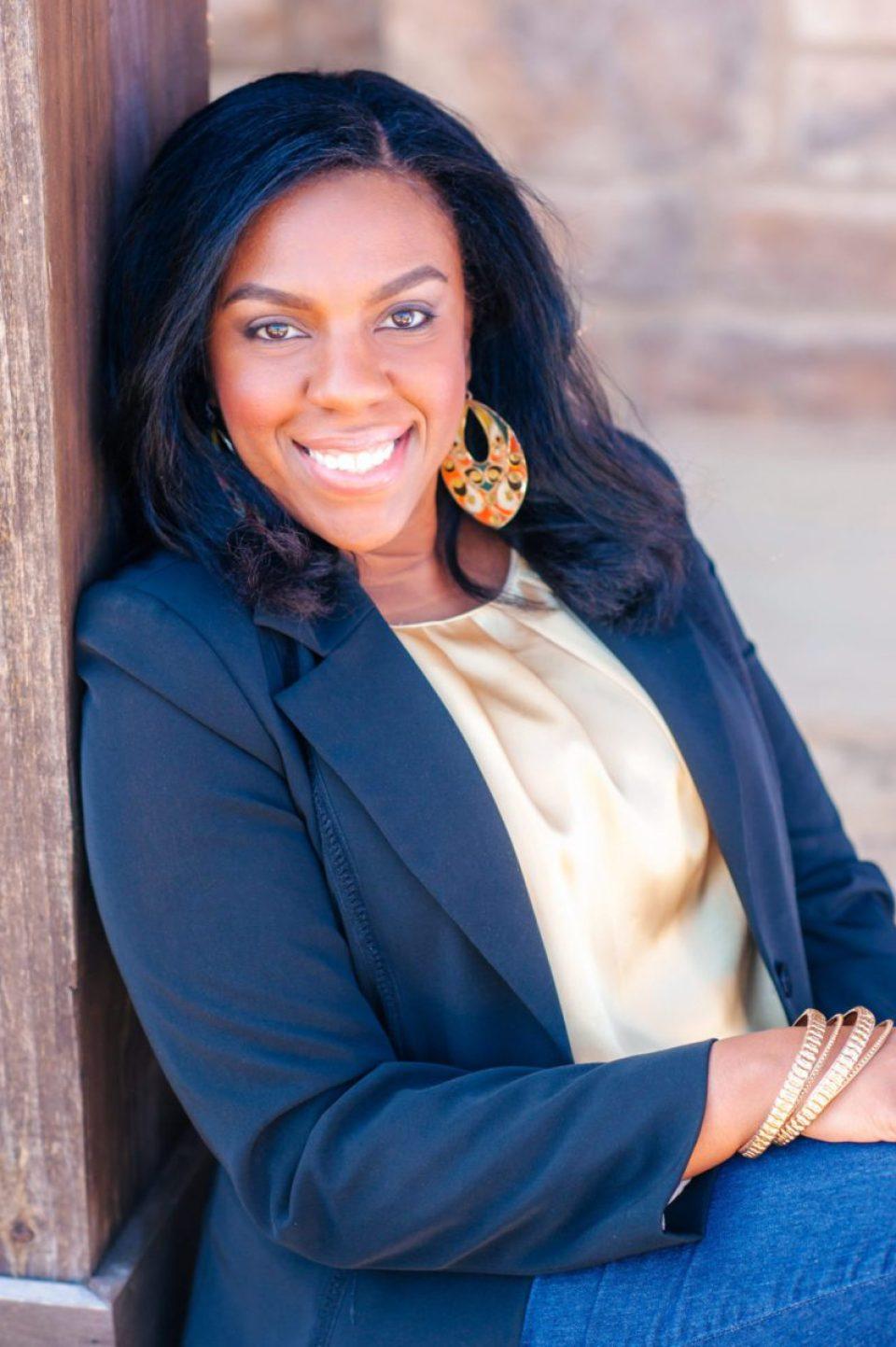 headshot-Terri-Baskin-Photography_photocredit-960x1443 Kathleen Mapson Mixes Styles in Southern Interior Designs