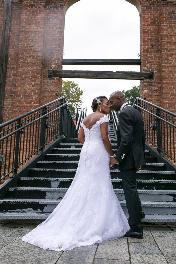 Royster_Roane_Divine_By_Design_Image_untitledshoot1085_low Bold Black and White Richmond, Virginia Wedding