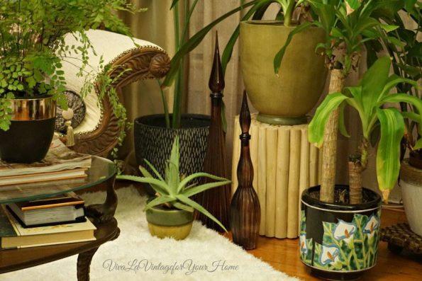 livingroom-595x397 Top Vintage Decanter Looks To Love by Jamala of Viva La Vintage