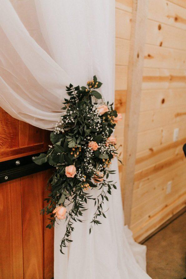047A8600-595x893 Jackson, TN Chic Barn Wedding