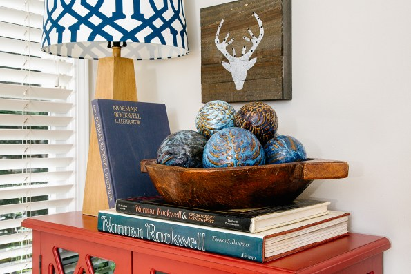 Decorative bowl on top of books. Chic and country decor.