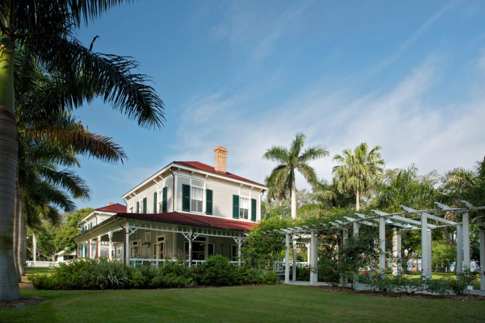 4 Places To Get Married in Fort Myers & Sanibel, FL