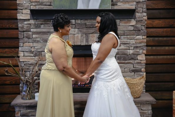 Roberson-100-bride-and-mother-595x397 Spelhouse Love Reigns in Music City
