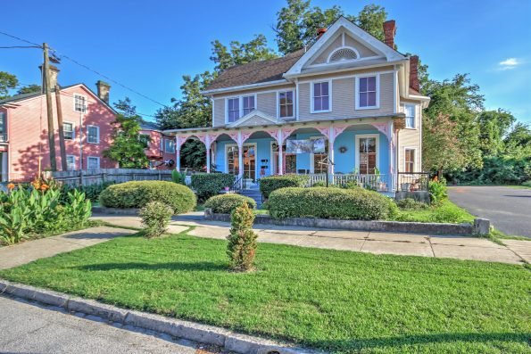 Set29-595x397 6 Black Owned Bed & Breakfasts In the South
