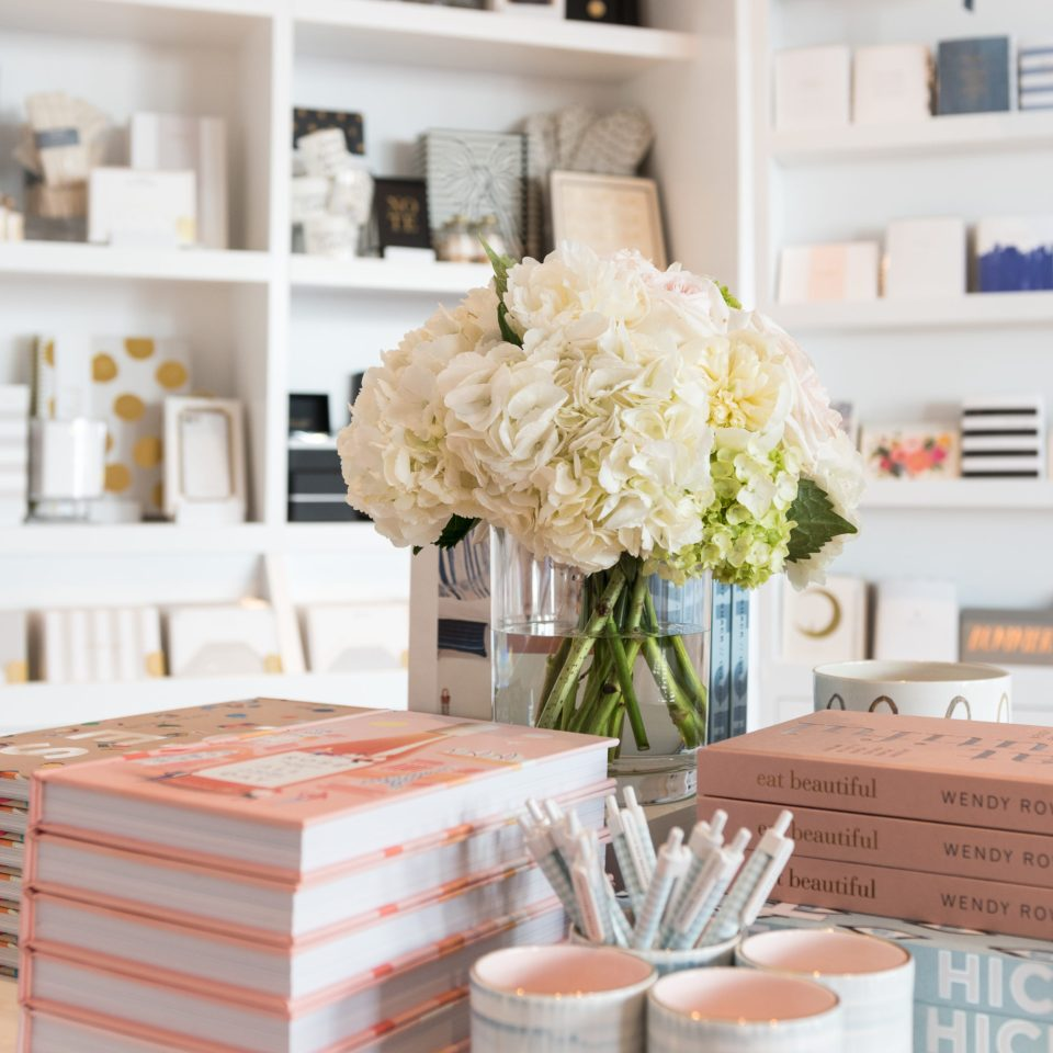 Sugar-Paper_Newport-Beach-store_16-960x960 How to Decorate Your Home Like a Stationery Store
