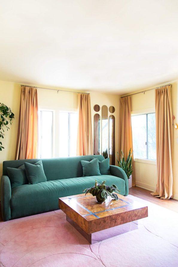 Caroline_Jayden_LA_Bungalow_Crypton_Velvet_Drapes-595x893 5 Looks of Velvet Inspiration for Your Home this Winter