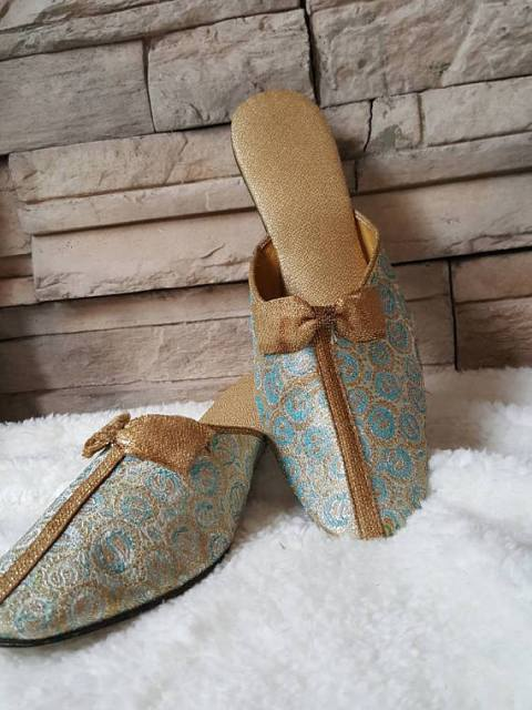slippers15-480x640 Vintage Boudoir Slippers We Adore