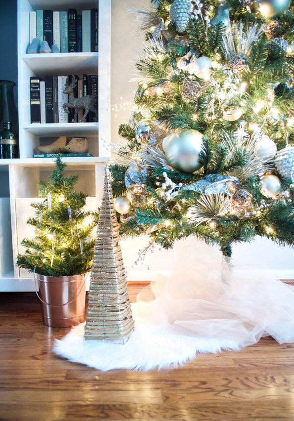 7-Stash-of-Panache-Holiday-Decor-595x852 How Houston-Based Interior Designer Alana Frailey Decorates Her Home For The Holidays
