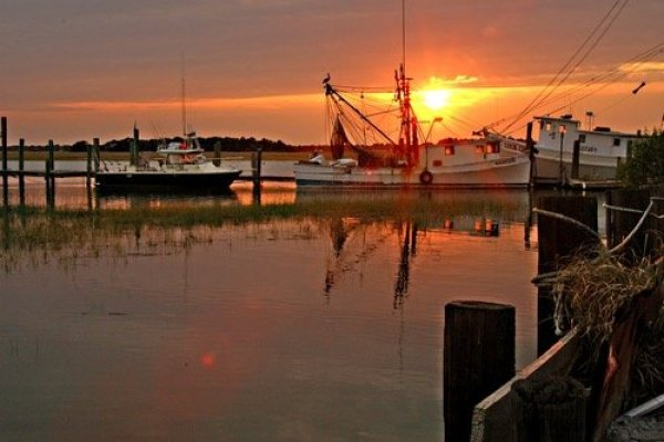 sunsetharbor-600x400 5 Ways to Enjoy a Girlfriend Getaway in  Charleston, SC by Erica J