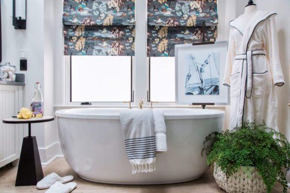 HGTV-Smart-Home-2018-Master-Bathroom-Bathtub-595x397 HGTV Smart Home Tour - Palmetto Bluff